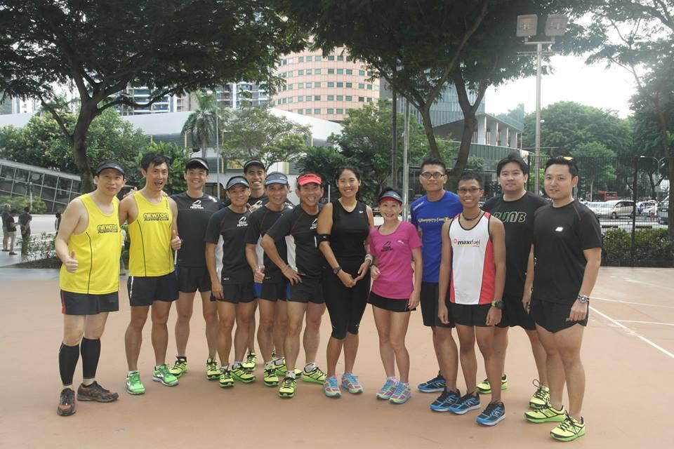 Media (Run Bloggers) with Team Newton before the start of the run. More photos can be found at the Newton Runners Singapore Facebook Page.